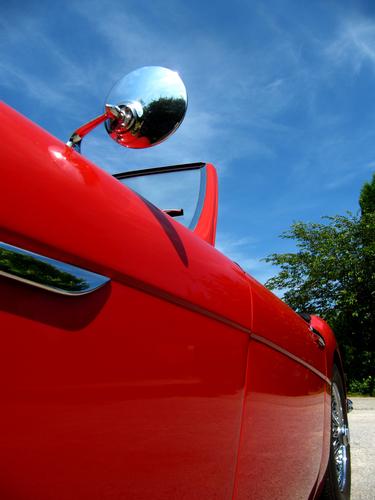 Cabrio Träume unter blauem Himmel